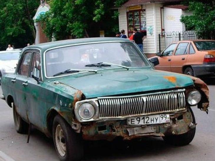 самая старая машина в мире цена фото